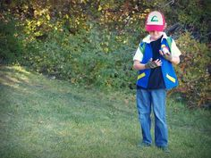 6 Awesomely Nerdy DIY Halloween Costumes for Kids Diy Halloween Costumes For Kids, Halloween Cosplay, Cool Costumes, Halloween Party, Halloween Ideas, Costume Ideas, Ash Ketchum Costume, Ash Costume, Pokemon Costumes