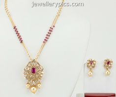 Designer Pendant Set With Diamonds And Uncut Diamonds In Pachi Style - Latest Jewellery Designs Gold Jewelry Simple, Jewelry Model, Gold Jewellery Design, Latest Jewellery, Schmuck Design, Jewelry Patterns, Necklace Designs, Indian Jewelry, Beaded Jewelry
