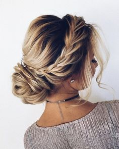 17 Best Hair Updo Ideas for Medium Length Hair fancy hair updos casual hair up styles simple easy updos side hair updo cute wedding hairstyles for medium hair # formal Hairstyles Cute Wedding Hairstyles, Easy Formal Hairstyles, Easy Updo Hairstyles, Hairstyle Ideas, Hair Ideas, Amazing Hairstyles, Hairstyles Pictures, Hairstyles Haircuts, Homecoming Updo Hairstyles