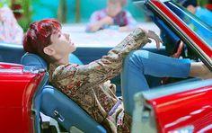 Baekhyun exo #thewar #kokobop #comeback2017 (love the song and video but his hair)