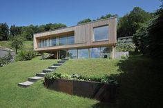 Haus DB Klaus — ARCHITEKTUR Jürgen Hagspiel Architecture Photo, Beautiful Architecture, Modern Architecture, Dream Home Design, House Design, Beautiful Gardens, Beautiful Homes, Hillside House, Concrete Wood