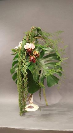 Gordon Lee Flower Arrangement, Floral Arrangements, Hotel Flowers, Art Floral, Floral Designs, Ikebana, Flower Decorations, Glass Vase, Projects To Try