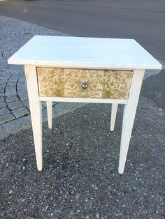 Shabby chic Furniture Shabby Chic Furniture, Table, Home Decor, Homemade Home Decor, Tables, Interior Design, Home Interiors, Desk, Bench
