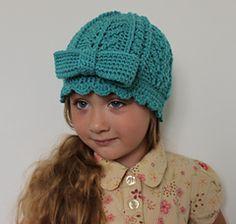 Little Aria Hat pattern by Julie Lapalme.