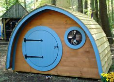 Little Merry Hobbit© Hole Playhouse base kit plus live edge cedar clapboard roof - Craftsman - Outdoor Playsets - Wooden Wonders Hobbit Playhouse, Wooden Playhouse Kits, Backyard Playhouse, Build A Playhouse, Outdoor Playhouses, Playhouse Ideas, Curved Walls, Play Houses, The Hobbit