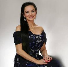 "Crystal Gayle (Cherokee) is an award-winning American country music singer. Best known for her 1977 country-pop crossover hit song, ""Don't It Make My Brown Eyes Blue"", she accumulated 20 number one country hits during the 1970s and 1980s. http://bit.ly/JxejIU"