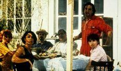 Marius et Jeannette - Robert Guédiguian - 1997 Marius Et Jeannette, French Movies, La Rive, Film, Cinema, Couple Photos, Marseille, Being Happy, Kitchens
