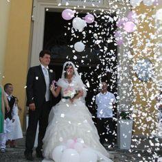 Palloncini con coriandoli per matrimoni a Gariga