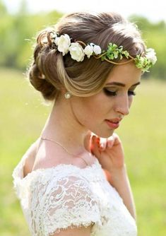 Flower crown wedding and bridal hairstyles are interesting and modern hairstyles that women usually use to wear for dating and special events. In these days, flower braids are symbolize every where just because if its easy and cute look. So, we are here just to give you some useful tips about wedding haircuts for 2018.