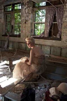 Idea for photoshoot in derelict building