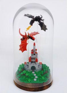 An epic battle on a teeny tiny scale - Lego - Lego Moc, Lego Duplo, Lego Pinata, Lego Display, Lego Design, Lego Technic, Chateau Lego, Diy Deco Rangement, Lego Dragon
