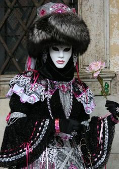 Carnival in Venice NOT MARRIED WOMAN OR ALONE NOT WITH HUSBAND IN VOODOO/ HOODOOTHINGS.