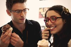 Latest Eyewear Trends: 2020 Most Popular Fashion Frames - Vint&York Glasses For Round Faces, Glasses For Your Face Shape, Girls With Glasses, Red Eyeglasses, Eyeglasses For Women, Face Shape Sunglasses, Prescription Glasses Frames, Glasses Trends, Eyewear Trends