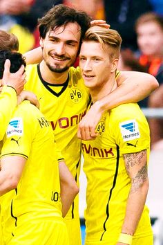 Big congrats to Mats Hummels for becoming the new Captain of Borussia Dortmund! and another congrats to Marco Reus for becoming the new Vice Captain!