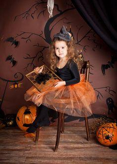 Halloween Baby Pictures, Baby Halloween, Halloween Photography, Halloween Disfraces, Baby Photos, Halloween Decorations, Girls Dresses, Photoshoot, Disney Princess