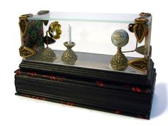 A cased tellurion
