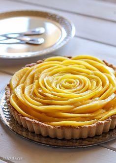Next time: more coconut oil in pastry!!! And I can also use coconut powder for the cream. This Mango Tart uses fresh, ripe mangos and coconut cream to make a delicious dessert that's gluten-free, Paleo friendly, refined sugar-free, and vegan! The recipe includes step by step photos for how to make a beautiful mango flower.