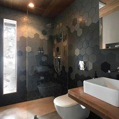Ideas para que te inspires a decorar baños pequeños y modernos Home Interior, Bathroom Interior, Modern Bathroom, Interior Design Living Room, Small Bathroom, Master Bathroom, Tile Design, House Design, Home Decor