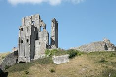 Corfe Castle: a great family day out in Dorset :)