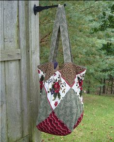 Sew Easy Schlep Bag - Free PDF by Sentimental Stitches http://bags-idiscount.com   $76  LOVE it #MK #fashion. Michael kors bags for Christmas.  Must have!!!