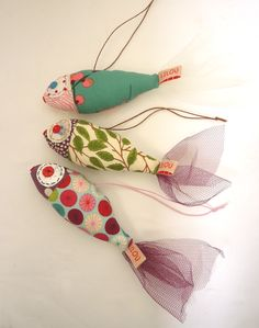 Superbenzin qua Mobile oder Sommerdeko am Fenster (im Schwarm) - - Fabric Crafts - Yorgo Angelopoulos Felt Crafts, Diy And Crafts, Arts And Crafts, Kids Crafts, Sewing Toys, Sewing Crafts, Sewing Projects, Sewing Ideas, Free Sewing