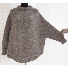 """Arvingen"" ponchosweater"