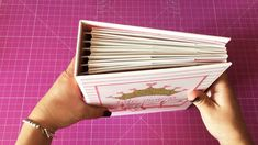 """Album collezione """"Penelope"""" My mind's eye Travel Album, Mini Albums Scrap, Big Shot, Scrapbook Albums, Project Life, Projects To Try, Card Holder, Mindfulness, York"""