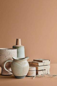 The 2019 Lady Design colour range from Norwegian paint brand Jotun perfectly captures the New Neutrals trend. The rich earthy colour palette really helps to add warmth and texture to Scandinavian interiors Dark Interiors, Colorful Interiors, Jotun Lady, Earthy Color Palette, Earthy Colours, New Nordic, Interior Color Schemes, Paint Brands, Minimalist Scandinavian