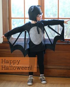 21 halloween costume ideas for kids girls!Discover the biggest and best selection of unique Kids Costumes on the entire web? Find the best Halloween Costumes for kids Bat Costume Boy, Bat Halloween Costume, First Halloween, Halloween Bats, Family Halloween, Holidays Halloween, Spider Costume, Homemade Halloween, Halloween Decorations
