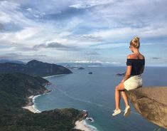 Hiking to Pedra Do Telégrafo while in Rio will give you this great view of the ocean, and the opportunity for a breathtaking Instagram! Go to our Photoguide for the exact coordinates: http://sidewalkerdaily.com/photoguide-rio-de-janeiro/ and be sure to get there early, to miss the crowds! #instatour