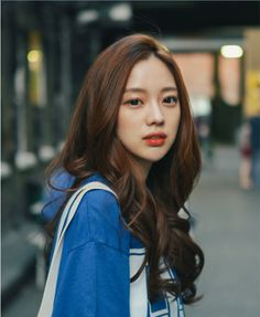 Read Park Seul from the story Ulzzang List by checkmeeh (Yours) with reads. Haircuts For Long Hair, Cool Hairstyles, Park Seul, Korean Beauty, Asian Beauty, Bora Lim, Ulzzang Hair, Korean Ulzzang, Ulzzang Makeup