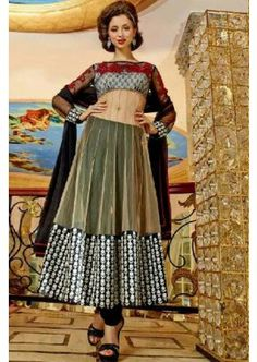 couleur noire Anarkali net costume, - 93,00 €, #AnarkaliCostumeFrance #CostumePasCher #LaModeExclusive #Shopkund