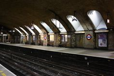 Baker Street Station  Hammersmith & City line  by Nina J. G., via Flickr
