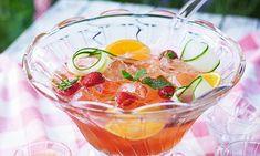 Best of British: Sparkling summer gin punch Iced Tea Lemonade, Lemonade Cocktail, Cocktail Drinks, Cocktails, Best Of British, Food Articles, Latest Recipe, Fresh Lime Juice, Pineapple Juice