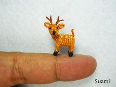 0.8 Pulgadas ciervos cervatillo Amigurumi - Micro miniatura del ganchillo peluches - por encargo