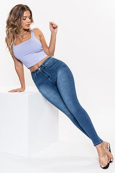 Curvy Jeans, Sexy Jeans, Tall Women Fashion, Girl Fashion, Fit Girls Guide Recipes, Skinny Thick, Fit Girls Bodies, Skinny Jeans Style, Skinny Girls