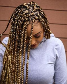 Blonde braids have a good well known to dark skin women. And some of the African American like blonde color with box braids. Women who love blonde braids they can try these 13 blonde braids. Box Braids Images, Box Braids Pictures, Triangle Box Braids, Curly Hair Styles, Natural Hair Styles, Natural Braids, Blonde Box Braids, Brown Box Braids, Ombre Box Braids
