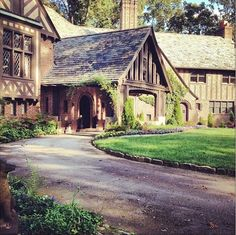 The Salvatore house is perfection.