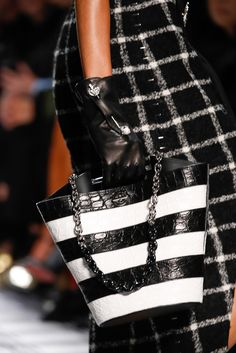 Balenciaga Fall 2015 Ready-to-Wear Fashion Show Details