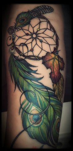 In love with this! Combining two obsessions #dreamcatchers #peacockfeathers #iwantthis