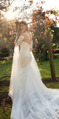Christina Rossi wedding dresses are renowned for attention to detail, unique, classy style. Wedding Dresses 2018, Bridesmaid Dresses, Classy Wedding Dress, Fall Outfits, Fashion Outfits, Bridal Gowns, Classy Style, Hair Style, Models