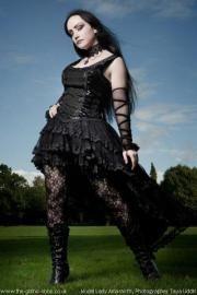 Velika satin noir Ruban Laceup Fishtail Dress par Sinister