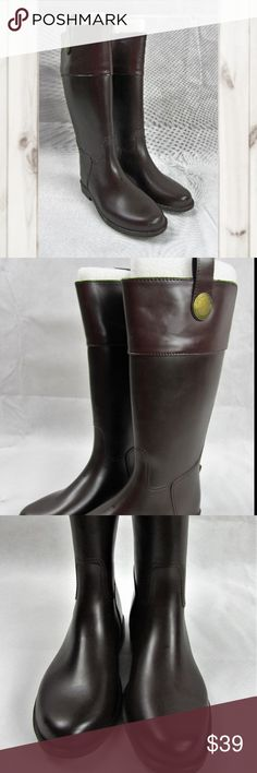 NWOB Banana Republic Brown Rubber Riding Rain Boot NWOB, Banana Republic, 2 Tone Brown Rubber Riding/Rain Boots, Pull On, Women's Size 6M. May have scuff marks due to storage.  Smoke/pet free  (S__) Banana Republic Shoes Winter & Rain Boots