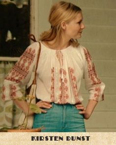 Kirsten Dunst weares a traditional Romanian blouse Kirsten Dunst, Anne Hathaway, Pucci, Jean Paul Gaultier, Dress To Impress, Yves Saint Laurent, Fashion Styles, Fashion Design, Floral Tops