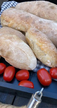 Ciabatta, Hot Dog Buns, Hot Dogs, Health And Wellbeing, Baguette, Food And Drink, Cookies, Baking, Crack Crackers