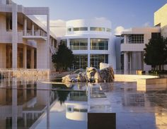 Richard Meier - reminds me of the 3rd yr arch trip here! Good memories!