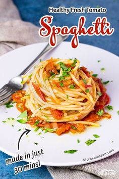 This super speedy weeknight dinner has few ingredients, is healthy and tastes AMAZING! Made in just 30 minutes, this Fresh Tomato Spaghetti recipe will become a firm family favourite! Click for the full recipe, helpful tips, video, pictures and more... Easy One Pot Pasta Recipe, Creamy Pasta Recipes, Seafood Pasta Recipes, Yummy Pasta Recipes, Fun Easy Recipes, Spaghetti Recipes, Easy Chicken Recipes, Healthy Recipes, Pasta Meals