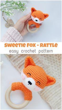 Taschen mit Holz Baby rattle fox - easy and fast crochet pattern Crochet Baby Toys, Crochet Patterns Amigurumi, Crochet Gifts, Crochet Animals, Baby Knitting, Amigurumi Doll, Crochet Fox Pattern Free, Free Pattern, Fast Crochet