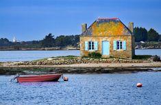 Maison du gardien des Parcs à Huîtres de la Rivière d'Étel à St-Cado, Morbihan (France) - Crédit Photo : Thierry Poncet