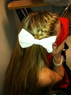 french braid...doing this for my first day of 7 grade...maybe with a smaller bow